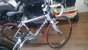 FELTの700×23cロードバイク買い取りました!