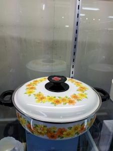 ちょっと珍しい・・・ノリタケのお鍋です♪